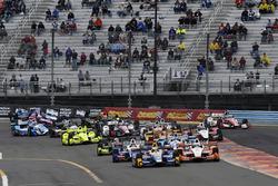 Alexander Rossi, Curb Herta - Andretti Autosport Honda, Josef Newgarden, Team Penske Chevrolet, au départ