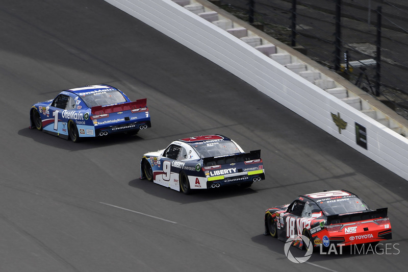 Elliott Sadler, JR Motorsports Chevrolet, William Byron, JR Motorsports Chevrolet y Kyle Busch, Joe