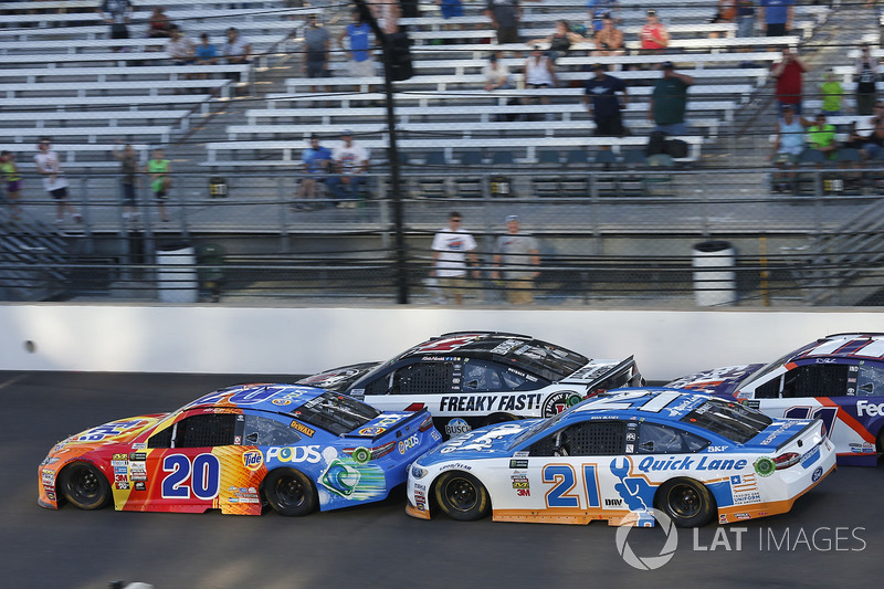 Matt Kenseth, Joe Gibbs Racing Toyota Ryan Blaney, Wood Brothers Racing Ford