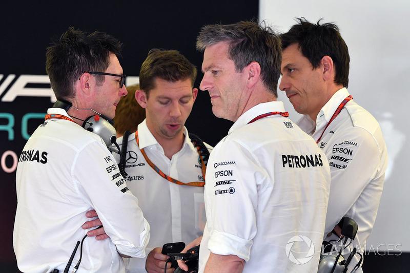 Andy Shovlin, Mercedes AMG F1 W08, James Allison, Mercedes AMG F1 W08 y Toto Wolff, Mercedes AMG F1 W08