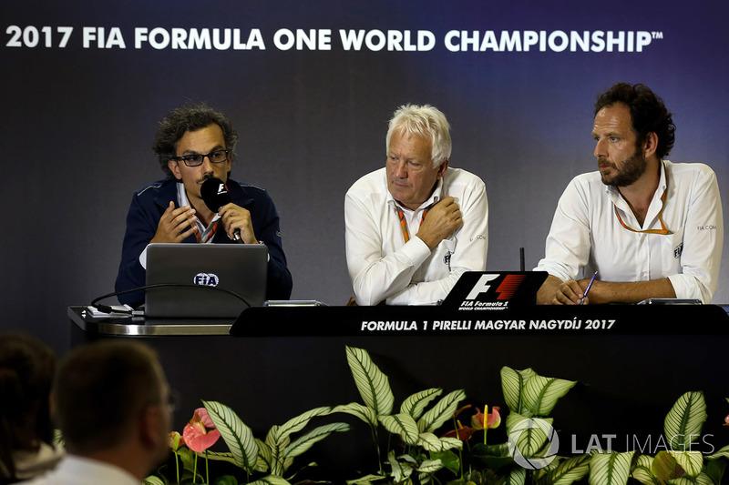 Laurent Mekies, FIA-Sicherheitschef, Charlie Whiting, FIA-Rennleiter, Matteo Bonciani, FiA-Pressesprecher