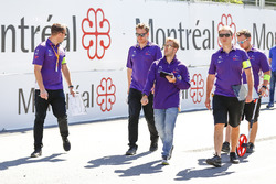 Sam Bird, DS Virgin Racing, camina en la pista