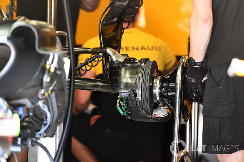 Задние тормоза и ступица Renault Sport F1 Team RS17