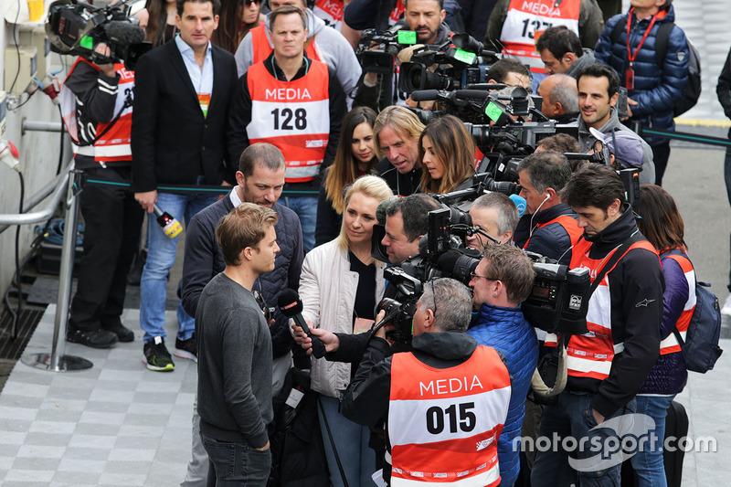 Nico Rosberg with the media