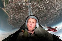 Johnny Herbert, Stewart Grand Prix, unterwegs mit der Royal Australian Air Force