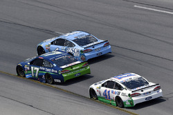 Ricky Stenhouse Jr., Roush Fenway Racing, Ford; Kevin Harvick, Stewart-Haas Racing, Ford; Kurt Busch