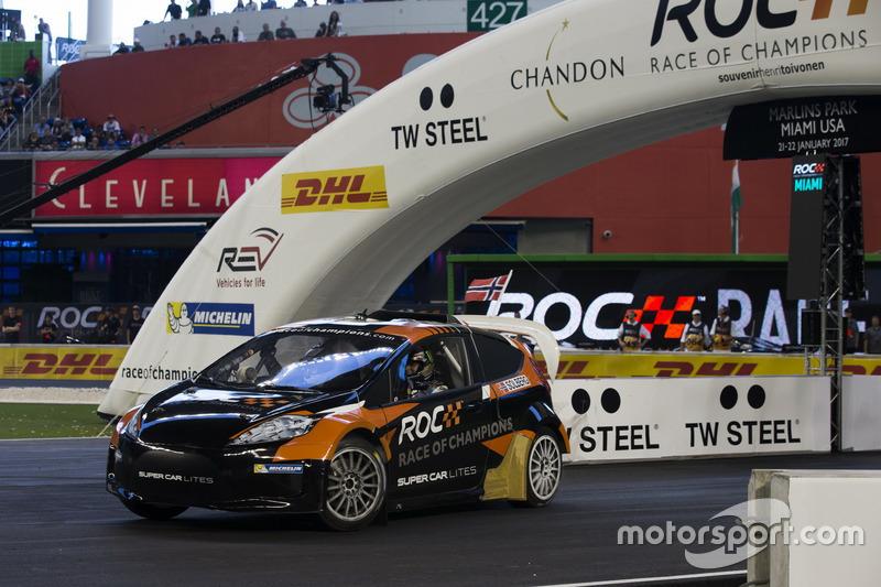 Petter Solberg, conduce el RX Supercar Lite