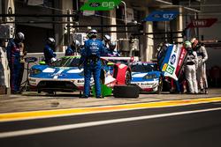 #66 Ford Chip Ganassi Racing Ford GT: Olivier Pla, Stefan Mücke, #67 Ford Chip Ganassi Racing Ford GT: Andy Priaulx, Harry Tincknell