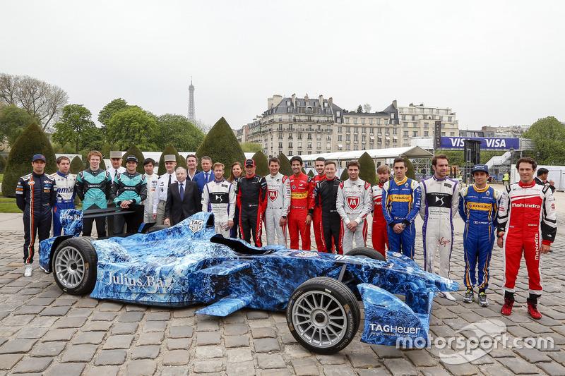 Foto di gruppo dei piloti di Formula E