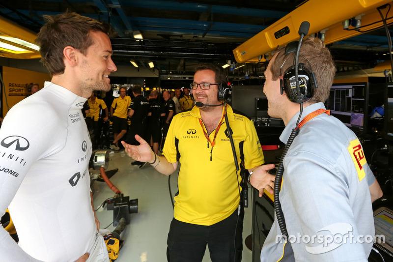 Jolyon Palmer, Renault Sport F1 Team ve Julien Simon-Chautemps, Renault Sport F1 Team Yarış mühendisi
