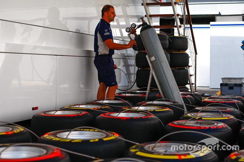 Williams tire mechanic