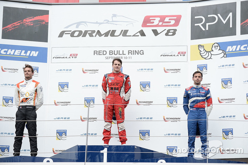 Podium: race winner Aurelien Panis, Arden Motorsport, second place Tom Dillmann, AVF, third place Matevos Isaakyan, SMP Racing