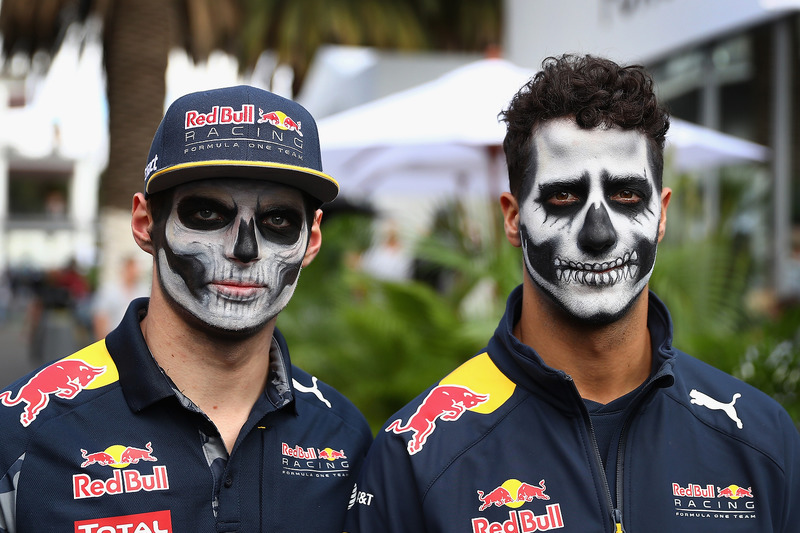 Daniel Ricciardo, Red Bull Racing und Max Verstappen, Red Bull Racing  mit Dia de Muertos - Gesichtsfarbe