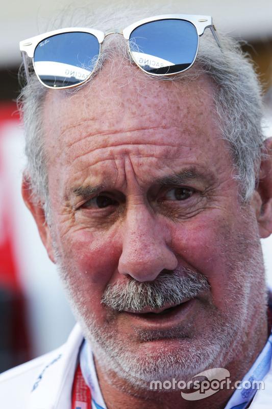 براد هولينغر، المدير الغير تنفيذي لويليامز