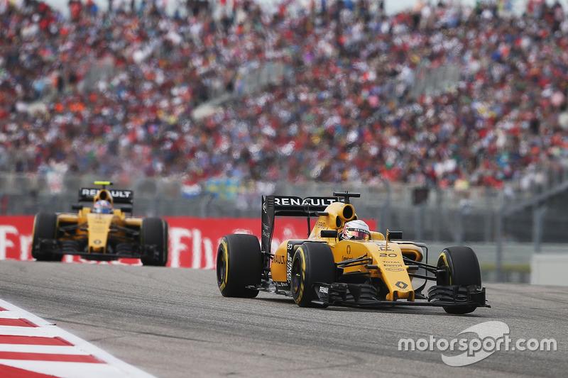 Kevin Magnussen, Renault Sport F1 Team RS16 y Jolyon Palmer, Renault Sport F1 Team RS16