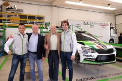 Guido d'Amore, Skoda Motorsport Italia, Michal Hrabánek, SKODA Motorsport Team Chief, Pavel Hortek, SKODA Motorsport Team Manager e Umberto Scandola, Skoda Motorsport Italia
