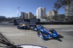 Incidente: Robin Frijns, Amlin Andretti, e Sébastien Buemi, Renault e.dams
