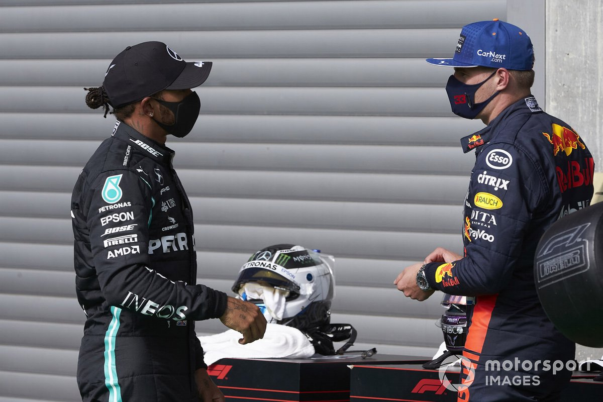 Lewis Hamilton, Mercedes-AMG Petronas F1, y Max Verstappen, Red Bull Racing