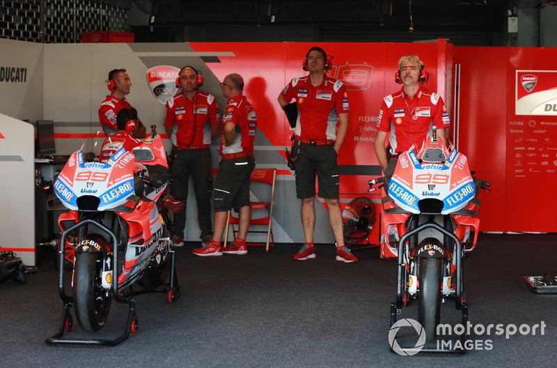Jorge Lorenzo's Ducati garage