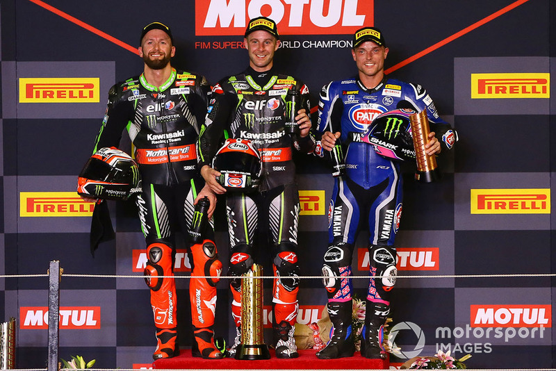 Podium: race winner Jonathan Rea, Kawasaki Racing, second place Tom Sykes, Kawasaki Racing, third place Alex Lowes, Pata Yamaha