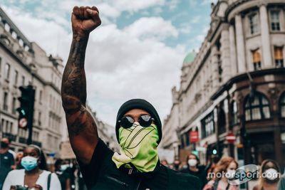 Хэмилтон на демонстрации Black Lives Matter