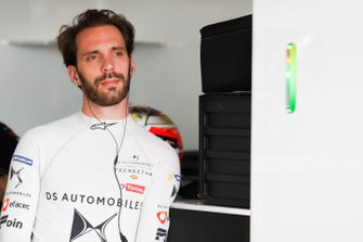 Jean-Eric Vergne, DS TECHEETAH, DS E-Tense FE19 in the garage