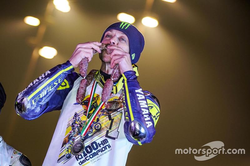 Valentino Rossi celebra su victoria