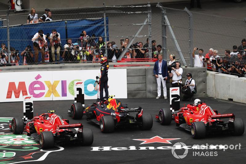 Кімі Райкконен, Ferrari SF71H, Макс Ферстаппен, Red Bull Racing RB14, Себастьян Феттель, Ferrari SF71H