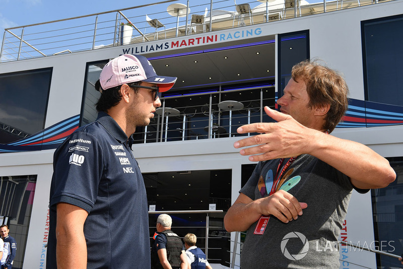 Sergio Perez, Force India y Michael Schmidt, periodísta