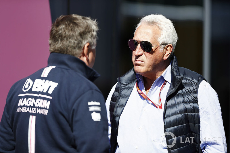 Lawrence Stroll habla con Otmar Szafnauer, COO de Force India
