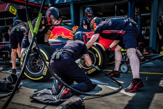 Red Bull Racing pit crew during pitstop