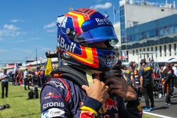 Carlos Sainz Jr., Scuderia Toro Rosso STR12 on the grid