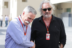 Председатель Formula One Group Чейз Кэри и Флавио Бриаторе