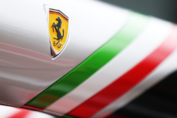 Détails du muret des stands Ferrari