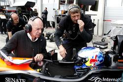 Harrison Newey, Van Amersfoort Racing Dallara F317 - Mercedes-Benz with his father Adrian Newey