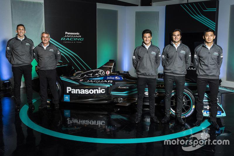 James Barclay, directeur d'équipe, Jaguar Racing, Gerd Mäuser, président, Panasonic Jaguar Racing, Mitch Evans, Nelson Piquet Jr, Ho-Pin Tung