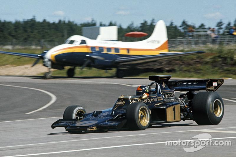 Emerson Fittipaldi, Lotus 72E Ford