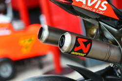 Akrapovic-Auspuff am Bike von Chaz Davies, Ducati Team