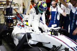 Felipe Massa, Williams, se instala en su asiento