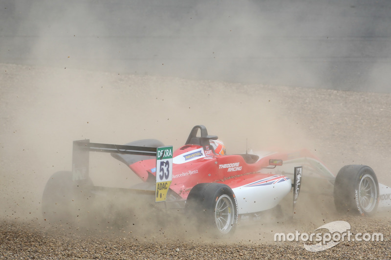 Callum Ilott, Prema Powerteam, Dallara F317 - Mercedes-Benz spins