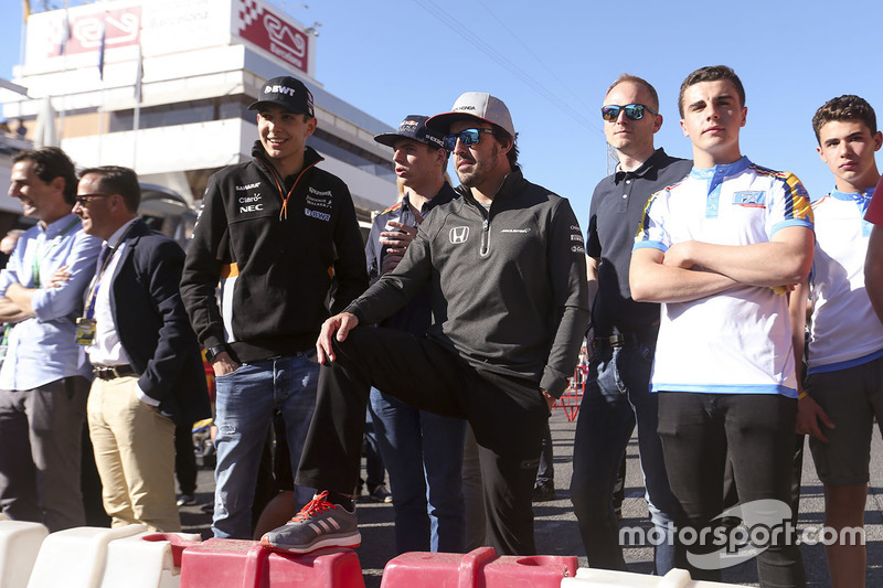 Эстебан Окон, Sahara Force India F1, Макс Ферстаппен, Red Bull, Фернандо Алонсо, McLaren