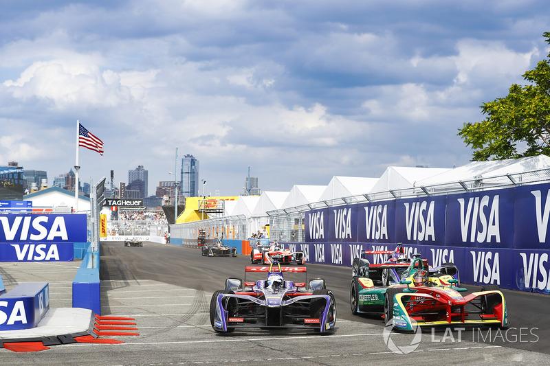 Sam Bird, DS Virgin Racing, lidera a Daniel Abt, ABT Schaeffler Audi Sport