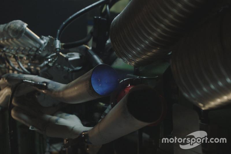 Перший запуск двигуна Ferrari 312B після відновлення командою Motortecnica на чолі з Мауро Форг'єрі