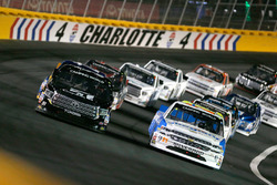 Kyle Busch, Kyle Busch Motorsports Toyota Johnny Sauter, GMS Racing Chevrolet