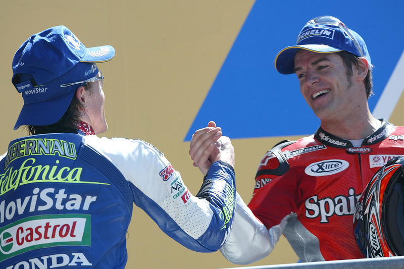 Podium: winner Sete Gibernau, Telefonica Movistar Honda MotoGP, second place Carlos Checa, Fortuna Y