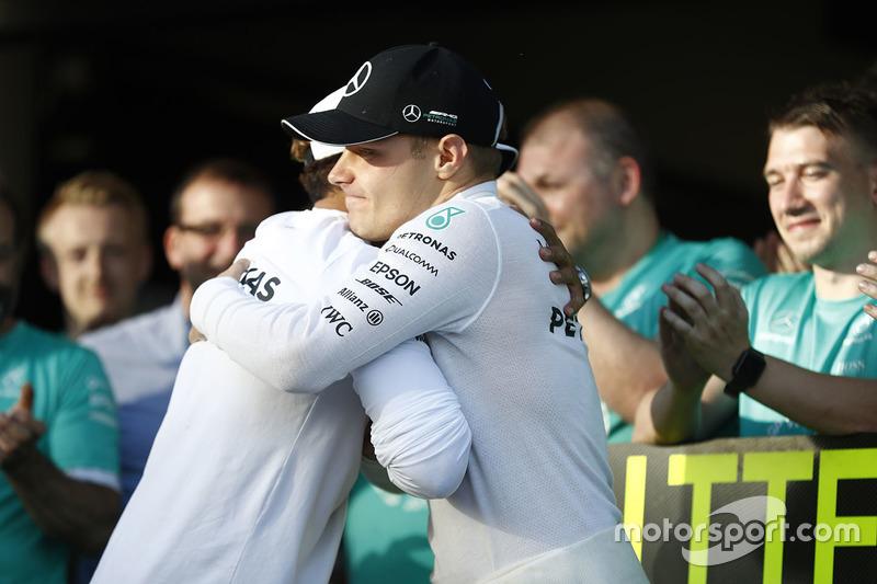 Race winner Valtteri Bottas, Mercedes AMG F1, is congratulated by Lewis Hamilton, Mercedes AMG F1