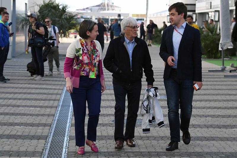 Bernie Ecclestone, Elena Zaritskaya, Sergey Vorobyev, Sochi AAutodrom Deputy General Director