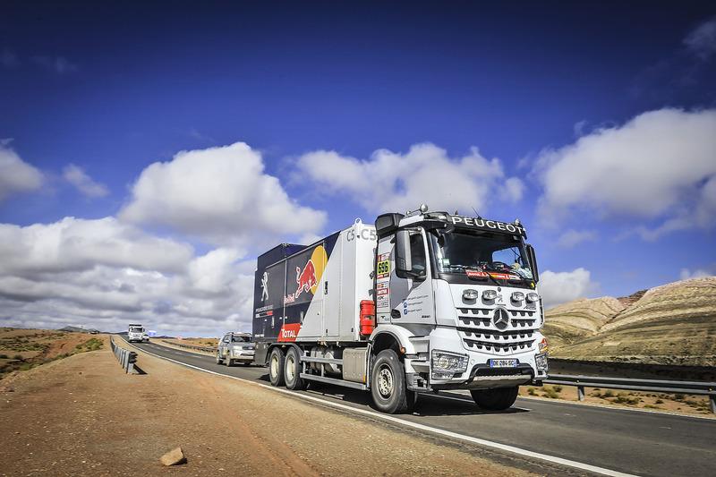 Вантажівка супроводу Peugeot Sport