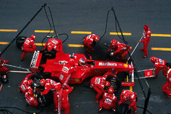 Michael Schumacher, Ferrari F300 makes a pitstop