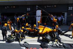 Fernando Alonso, McLaren MCL33, makes a pit stop
